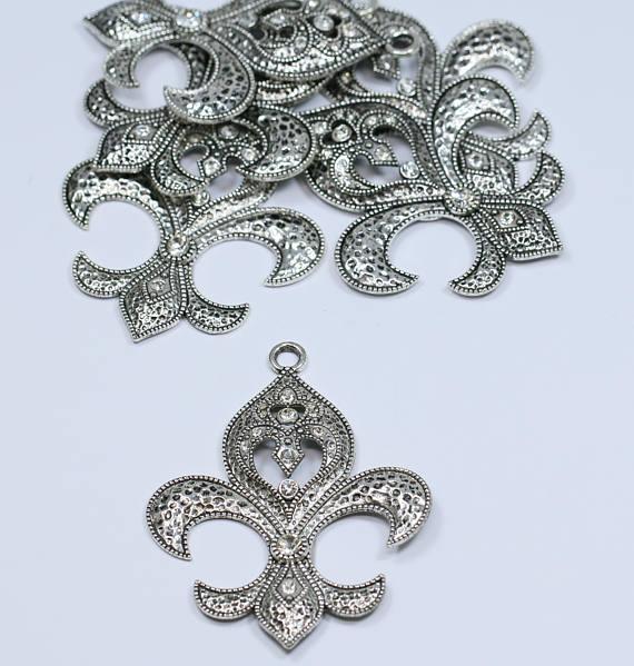 37x46mm 2 pcs per package Lovely Bead Rhinestone Fleur de Lis Pendant in Antique Silver Lead Free Pewter